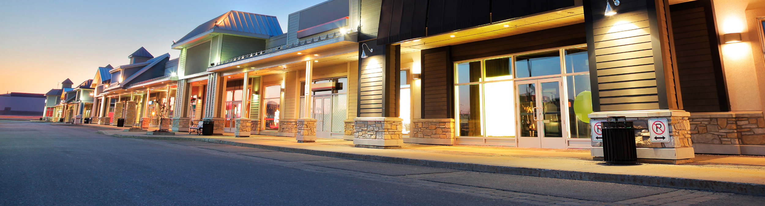 Store Fronts at Dusk_02