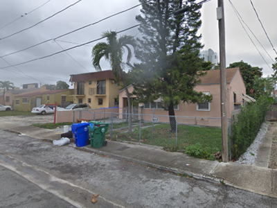 Miami, FL 2537 SW 10th St_400x300